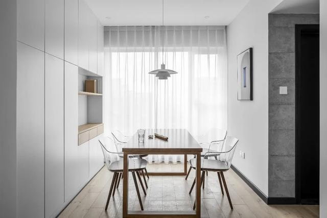 [装修案例]117平米黑白灰的现代简约风格 开放式厨房设计 纯净舒适的时尚空间