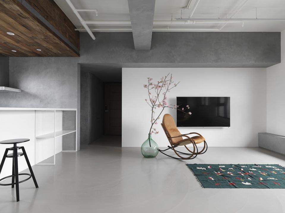 [装修案例]119平米装修效果图 不铺地不买沙发 全屋水泥毛坯风 出乎意料的漂亮